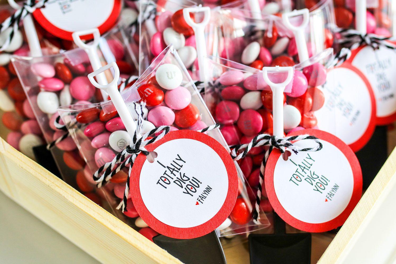 valentines day, valentine, i totally dig you, kids valentine, gift idea, diy, kids craft, crafts for kids, 2019, candy, ideas for valentines day, gifts for kids, i dig you