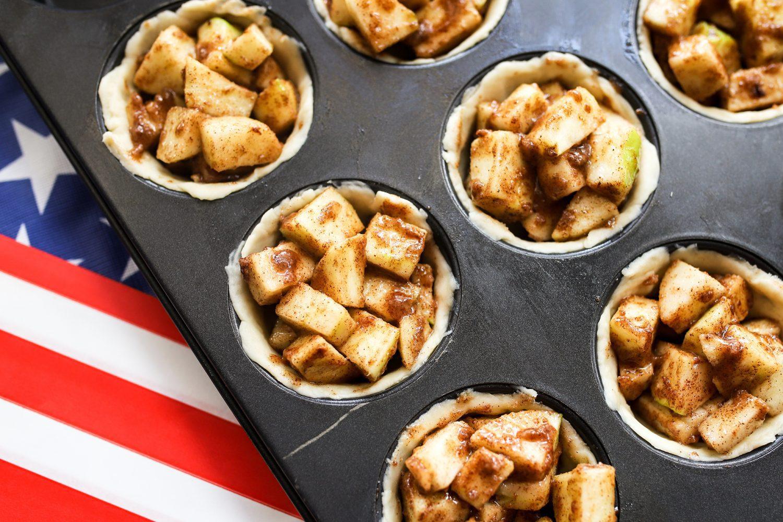 individual apple pies, apple pie, pie, recipe, individual apple pie recipe, memorial day recipe, 4th of july recipe, july 4th recipe, memorial day, 4th of july, july 4th, patriotic recipe, patriotic, america, use, american, easy apple pie recipe, small apple pies, fresh apple pie, homemade apple pie