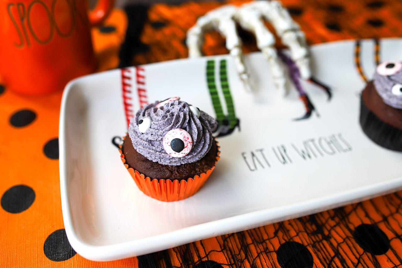 trick or treat halloween cupcake