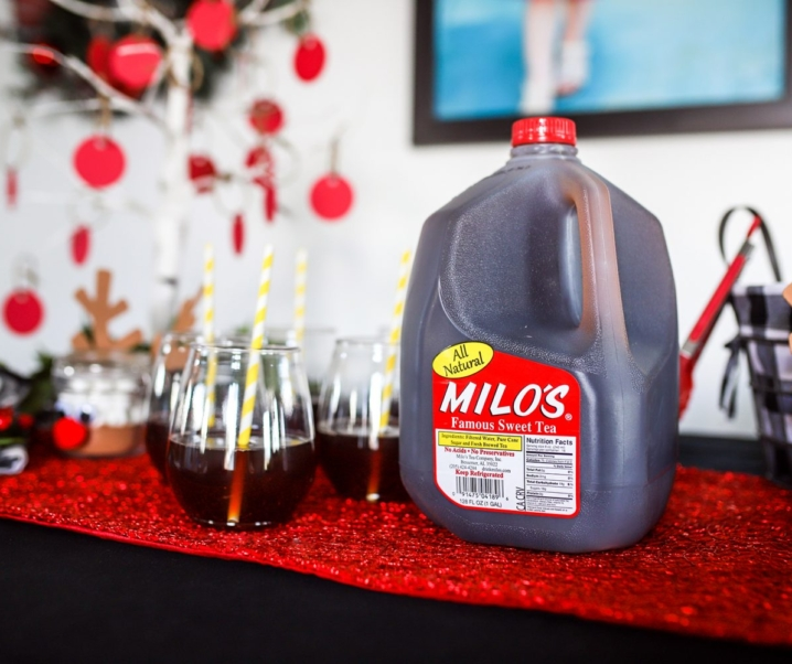How to Throw a Stress-Free Holiday Party