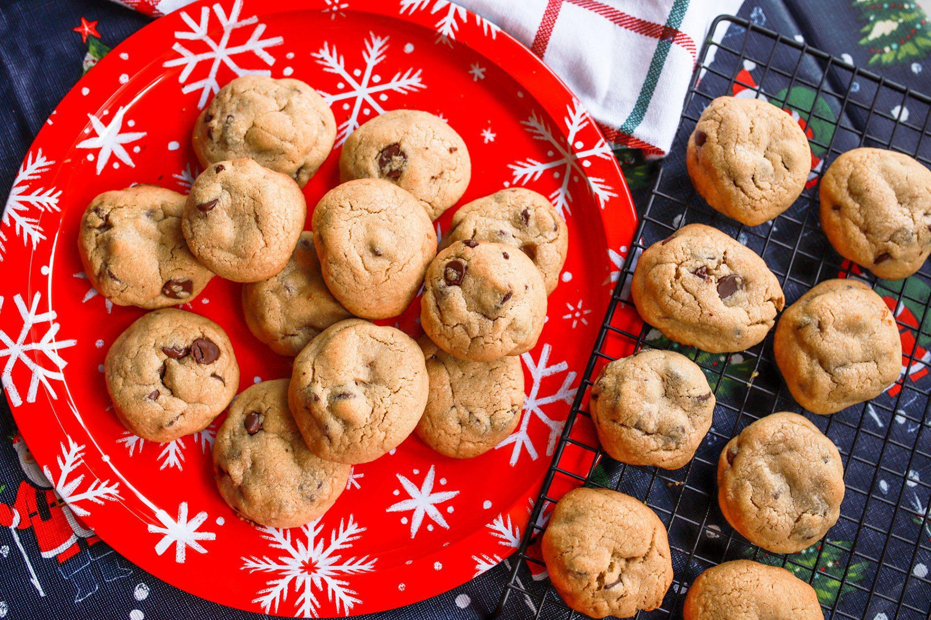 caramel stuffed macchiato and chocolate chip cookies