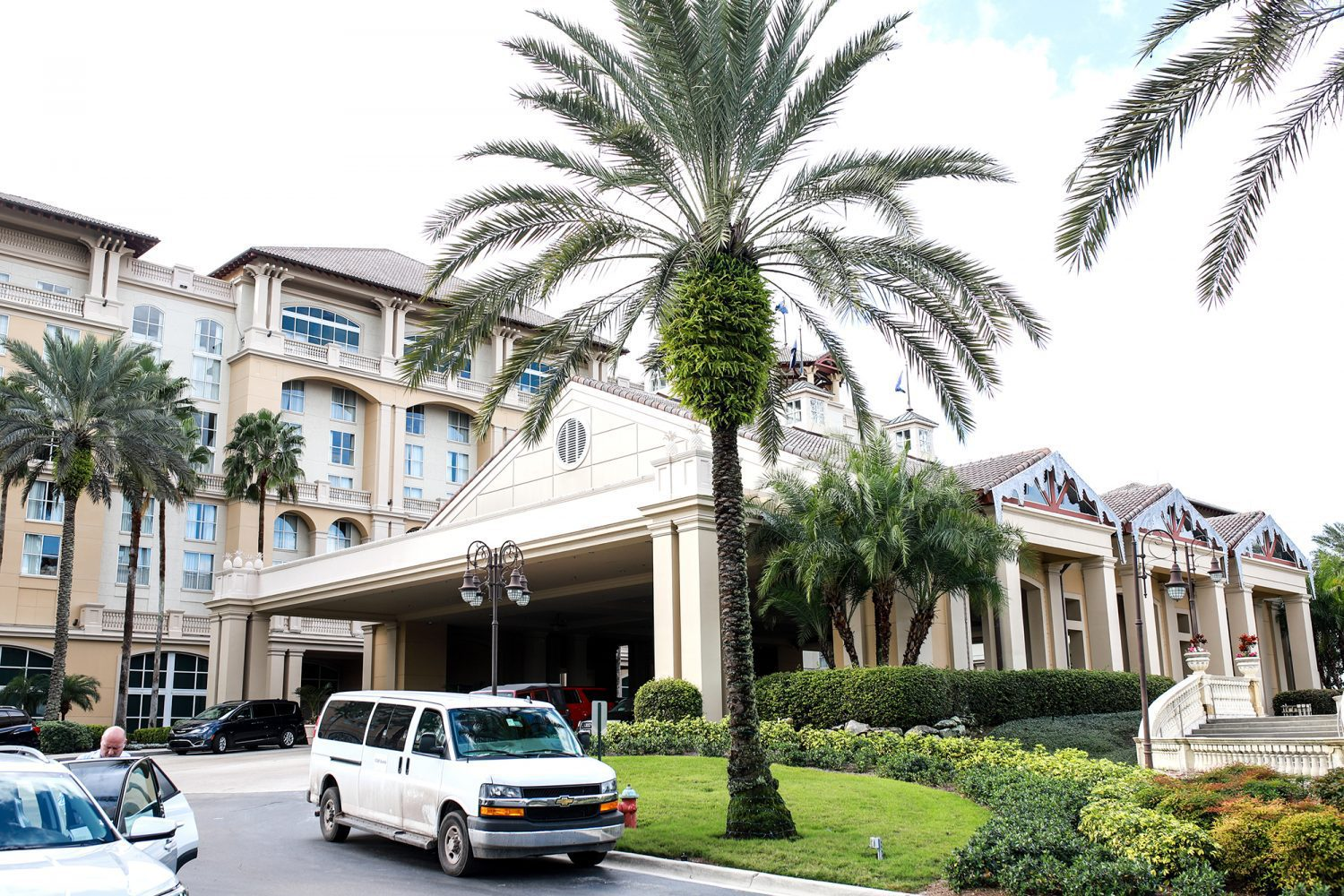 Front of Gaylord Palms Hotel in Orlando, FL