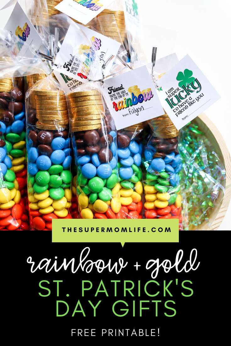 Looking for a fun little gift for St. Patrick's Day? I'm providing the free printable so you can make these adorable candy filled bags for classmates, co-workers or teachers!