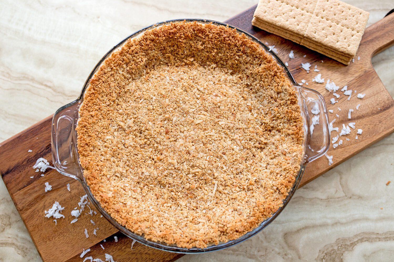 toasted coconut graham cracker crust
