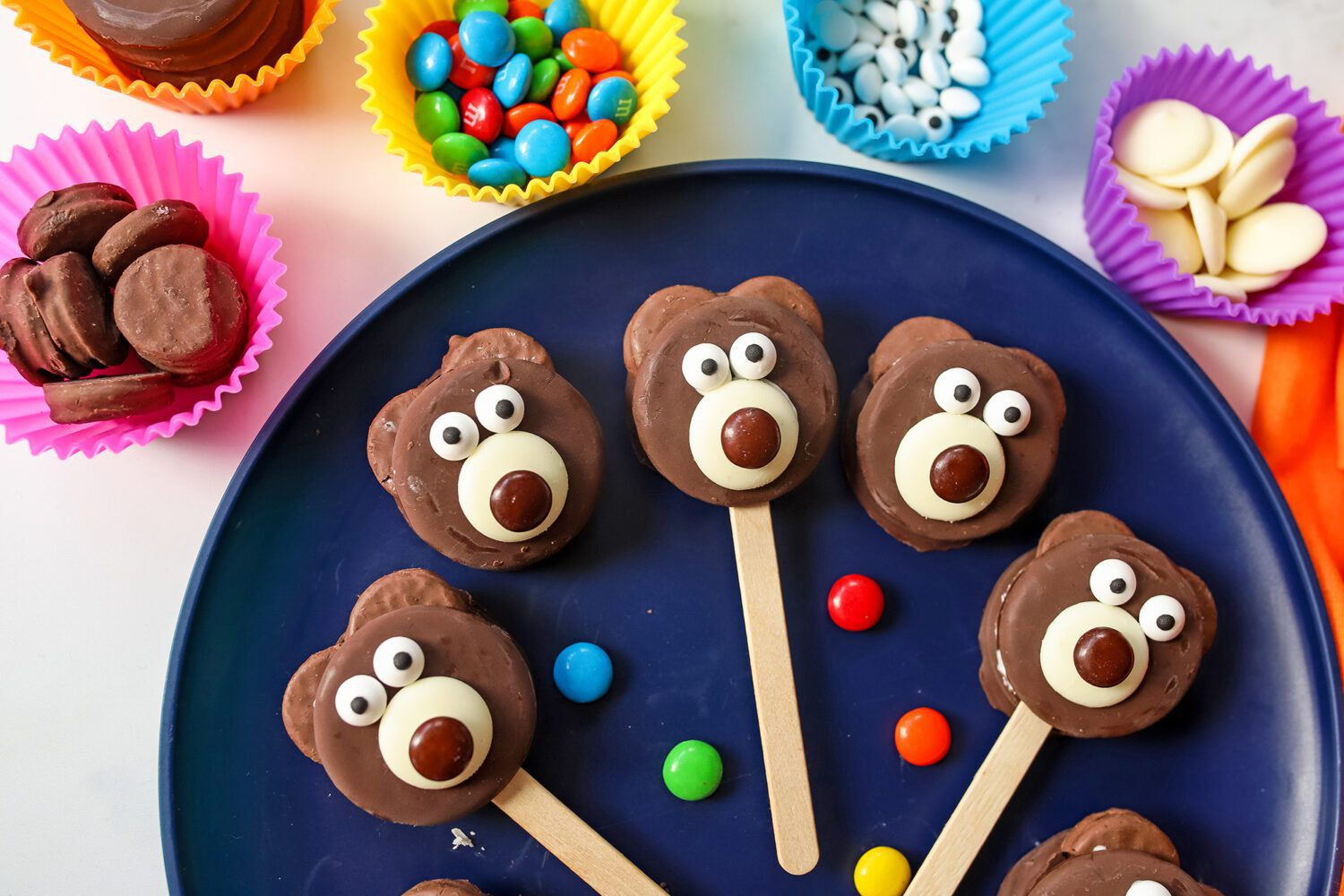 everything you need to make a teddy bear cookie treat