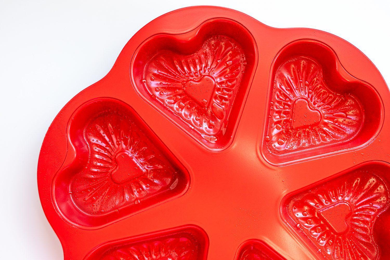 heart shaped baking tin