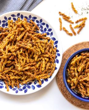 Air Fryer Lower Carb Garlic Bread Pasta Chips