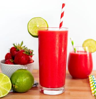 The Yummiest Non-Alcoholic Strawberry Daiquiri Ever