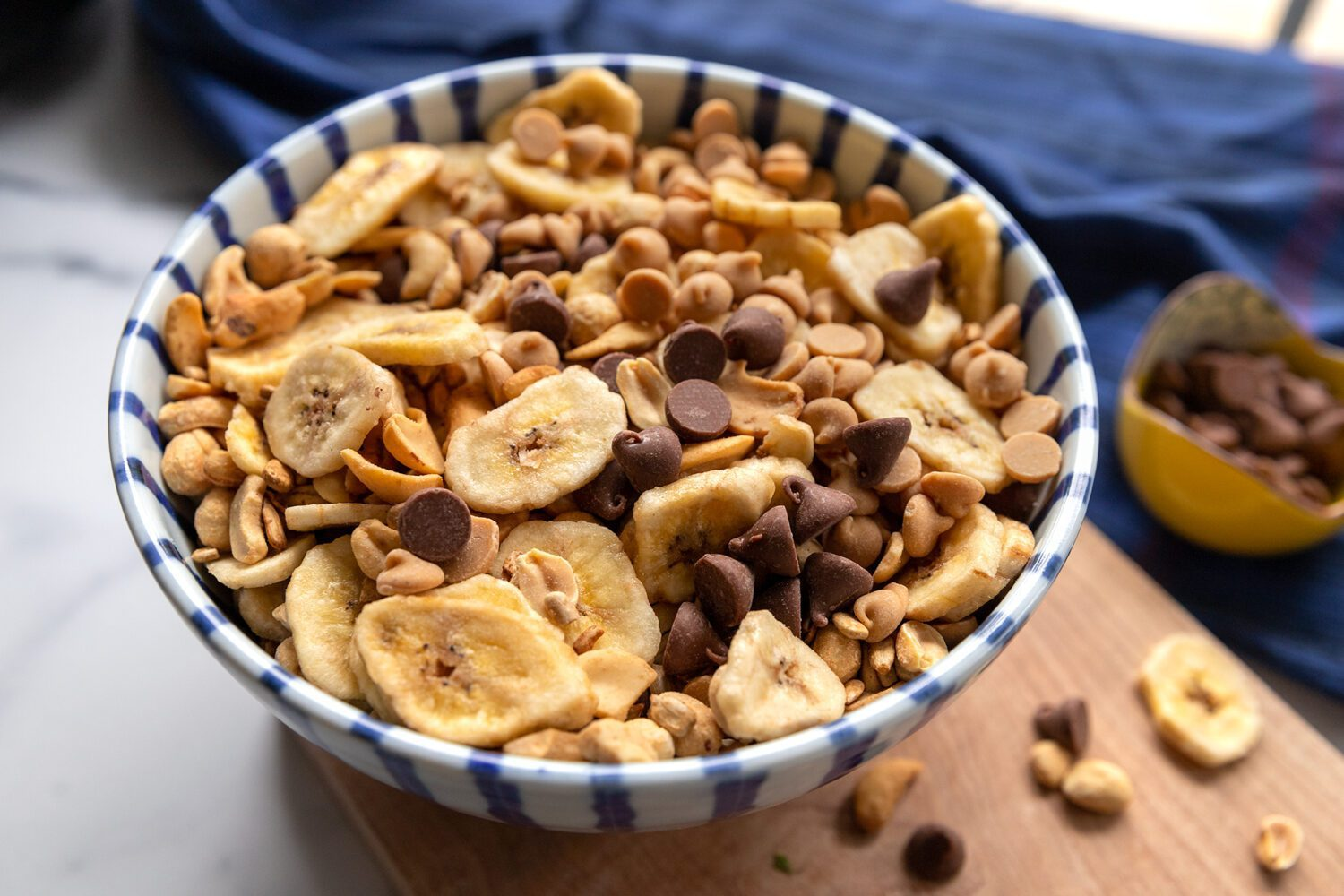 banana peanut butter and chocolate trail mix