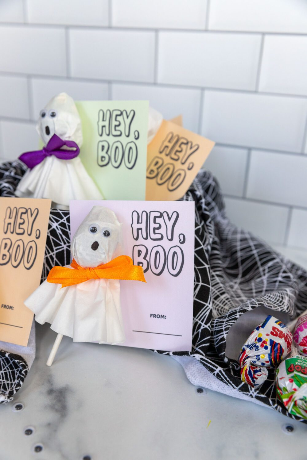 hey boo free printable with ghost lollipop